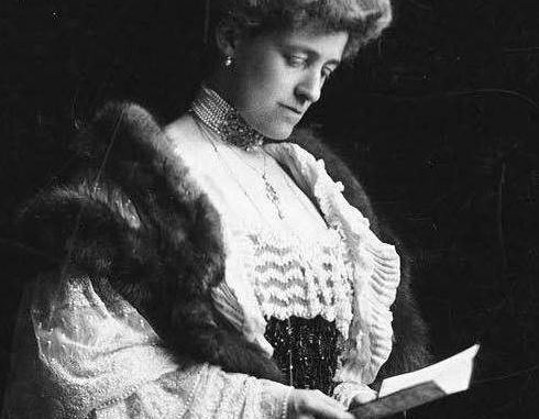 edith wharton critical essays Criticism julie olin-ammentorp le moyne college in the past decade,  feminist critics have done much to restore edith wharton to her proper rank  among.
